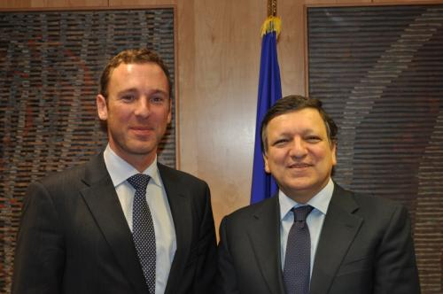 Joris-Baecke-Jose-Manuel-Barroso.jpg
