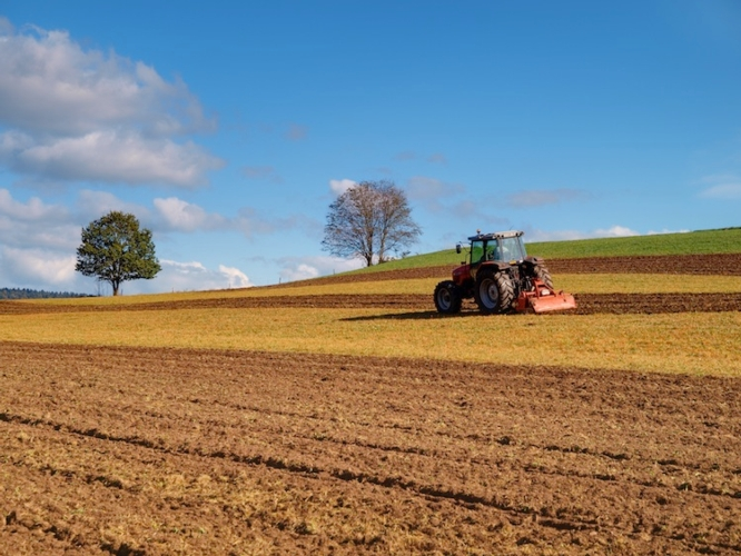agricoltura-campo-agromeccanici-trattore-by-olympixel-fotolia-750x563.jpeg