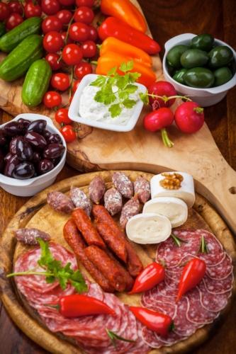 agroalimentare-formaggi-salumi-verdure-by-brebca-fotolia-3744x5616.jpg