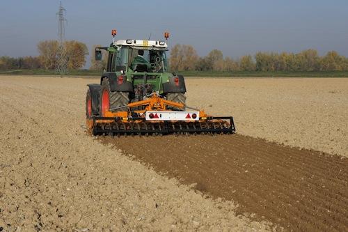 Lavorazioni del terreno mulino elettrico per cereali for Utensili per prelevare campioni di terreno