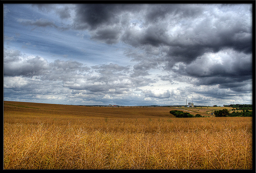 cereali-campo-nuvole-scure-byflickrcc20-mauricedb.jpg