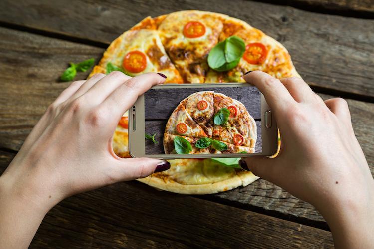 foodporn-pizza-cellulare-by-ruslan-mitin-fotolia-750.jpeg