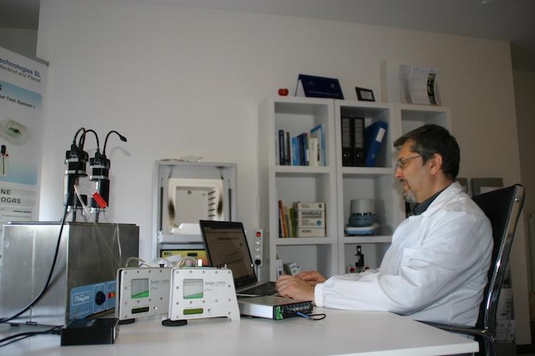 mario-rosato-in-laboratorio-fonte-mario-rosato2.jpg