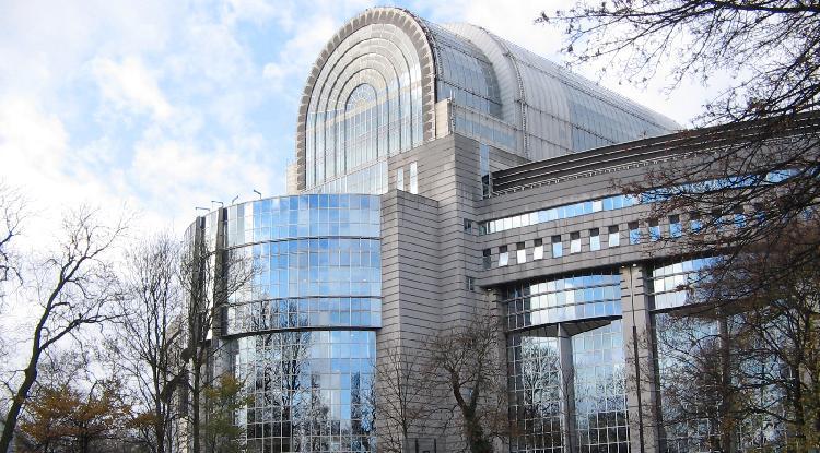 Etichettatura il parlamento ue approva la relazione for Sede del parlamento