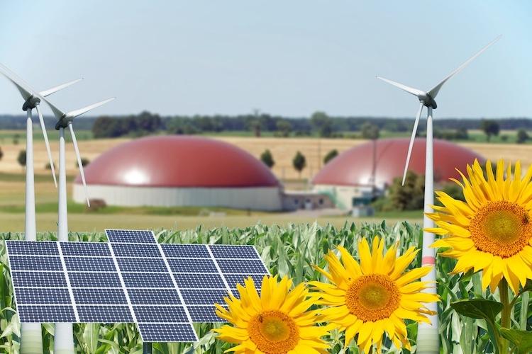 rinnovabili-bioenergie-biogas-biometano-fotovoltaico-eolico-biomasse-by-photographybymk-fotolia-750x500.jpg