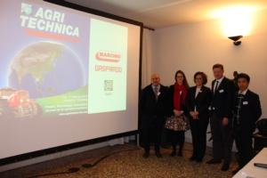 Dall'Italia all'Estremo Oriente, l'hi-tech della meccanica agricola