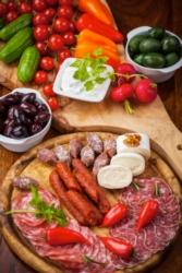 agroalimentare-formaggi-salumi-verdure-by-brebca-fotolia-3744x5616