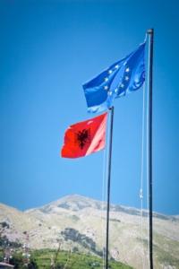 albania-bandiera-by-aleksandar-todorovic-fotolia-750
