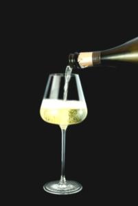 bicchiere-vino-spumante-fonte-consorzio-garda-doc