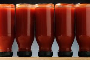 conserva-conserve-bottiglie-pomodoro-trasformato-by-comugnero-silvana-fotolia-750
