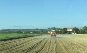 diserbo-barra-trattamenti-fitosanitari-agrofarmaci-romagna-mag-2015-by-csagn.jpg