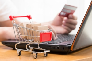 e-commerce-carrello-internet-computer-by-narong-jongsirikul-fotolia-750