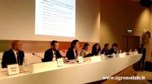 expo-convegno-multifunzionalita-17giu15-tavolo-relatori-fonte-tommaso-cinquemani-agronotizie