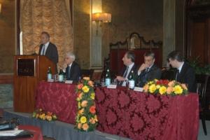 fruitimprese-assemblea-annuale-roma-apr15-tavolo-relatori-fonte-alessandro-vespa-agronotizie
