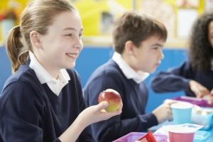 frutta-scuole-bambini-alimentazione-by-monkey-business-fotolia-750
