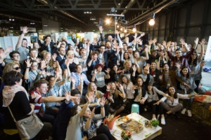 giovani-ragazzi-hackathon-no-waste-agrogeneration-seedschips-maggio-2017-fonte-future-food-institute