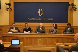 maio-gadda-attoma-lanciotti-e-dall-agata-packaging-camera-dei-deputati-dic-2016-fonte-alessandro-vespa