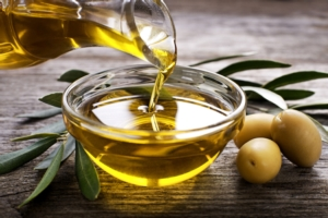 olio-oliva-olive-by-dusan-zidar-fotolia-750