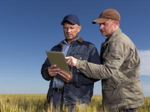 Agricoltura sempre più informatizzata: ora il fascicolo aziendale è anche in digitale