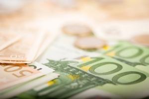soldi-euro-banconote-by-marco-scisetti-fotolia-750