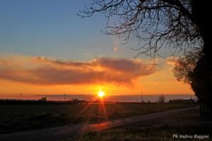 sole-tramonto-pianura-aprile-andrea-raggini