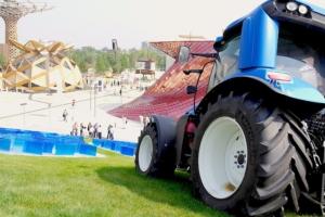 New Holland, a Expo il nuovo trattore a metano