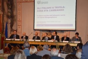 tavolo-presentazione-roma-rapporto-censis-food-social-gap-fonte-alessandro-vespa