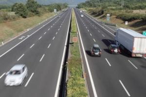 tir-trasporti-camion-autostrada-autrostrade-by-antonio-nardelli-fotolia-750