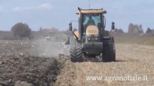 trattore-campo-grano-agrisfera-agricoltura-di-precisione-fonte-barbara-righini