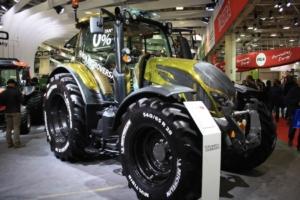 Eima 2016, trattori personalizzati con Valtra