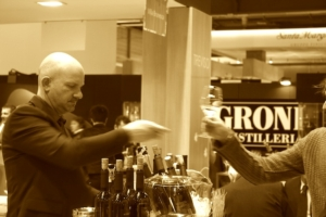 vinitaly-bicchiere-sommelier-2012-by-agronotizie