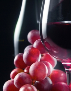 vino-bicchiere-uva-igor-normann-fotolia-750