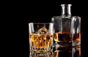 whiskey-distillati-liquori-by-alexlukin-fotolia-750