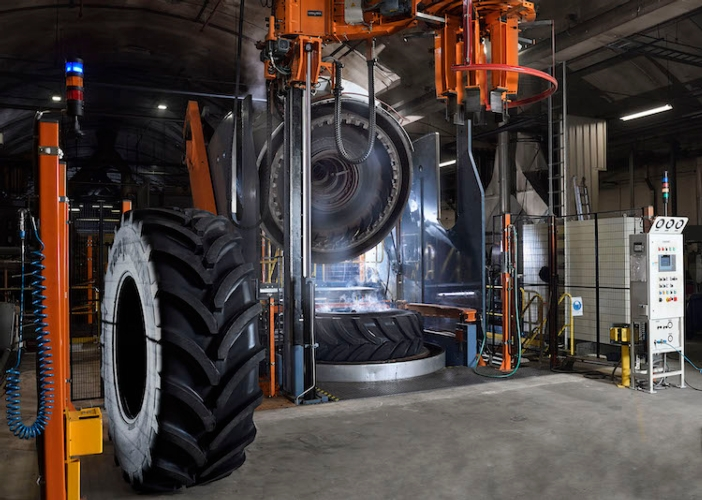 01apollo-vredestein-new-104-inch-tyre-press-enschede-nl