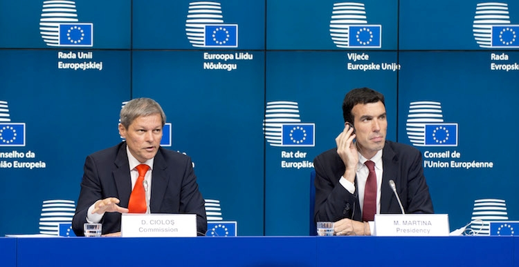 20140905-ciolos-martina-consiglio-agricolo-5-settembre-2014-fonte-the-council-of-the-european-union