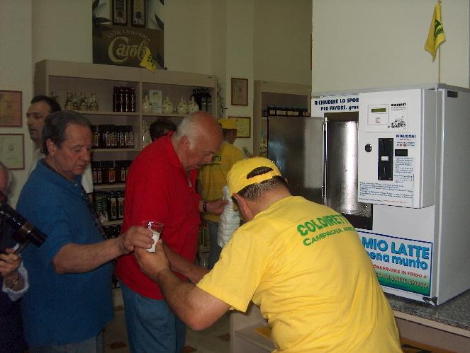 Distributore-latte-Taranto
