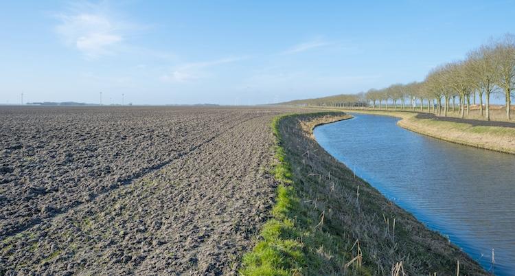 acqua-agricoltura-canale-by-naj-fotolia-750