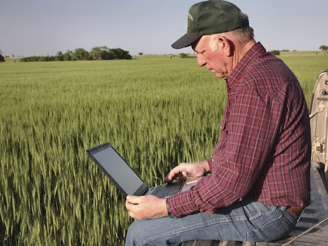 Macchine agricole e internet: 10 'to-do'