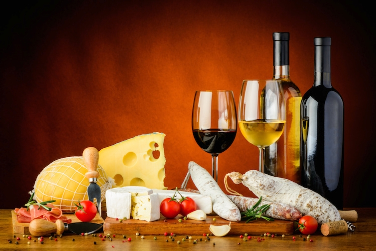 agroalimentare-vino-formaggi-salumi-by-draghicich-fotolia-750.jpg