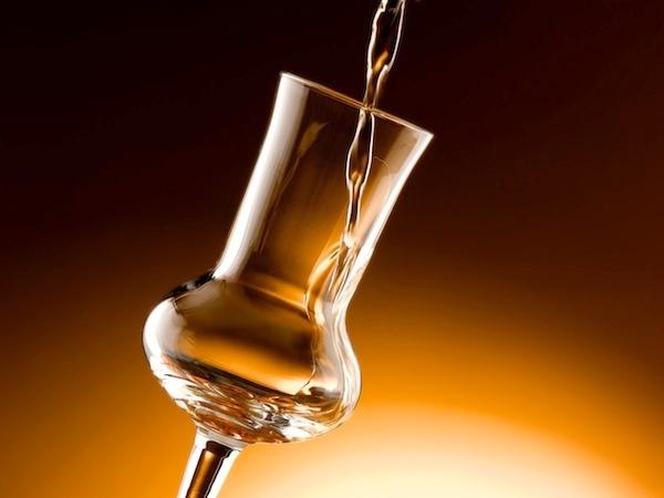 alcolici-bicchiere-grappa-ecopim-studio-fotolia-750