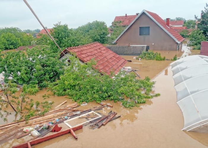 alluvione-straripamenti-maltempo-allagamenti-nesacera-fotolia-750