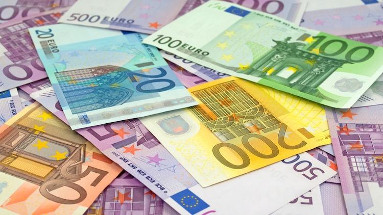 banconote-soldi-by-m-schuppich-fotolia-750.jpeg