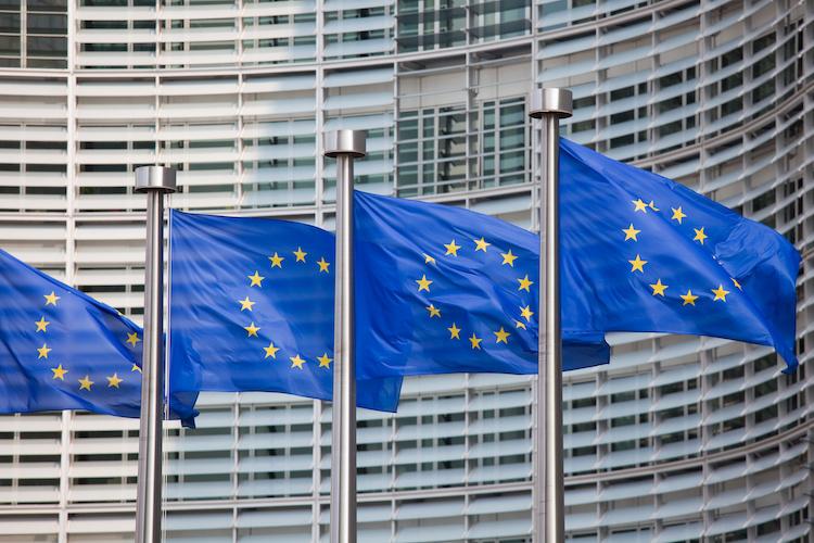 bandiere-unione-europea-europa-by-jorisvo-adobe-stock-750x500