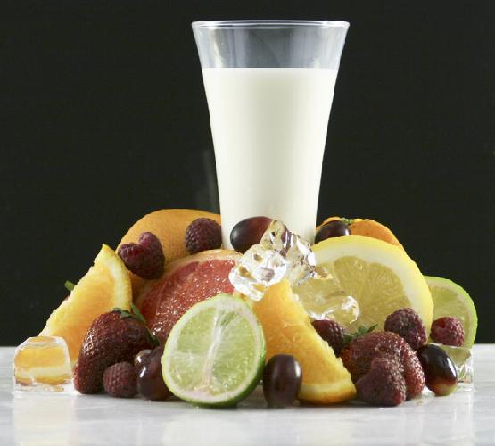 bicchiere-latte-e-frutta
