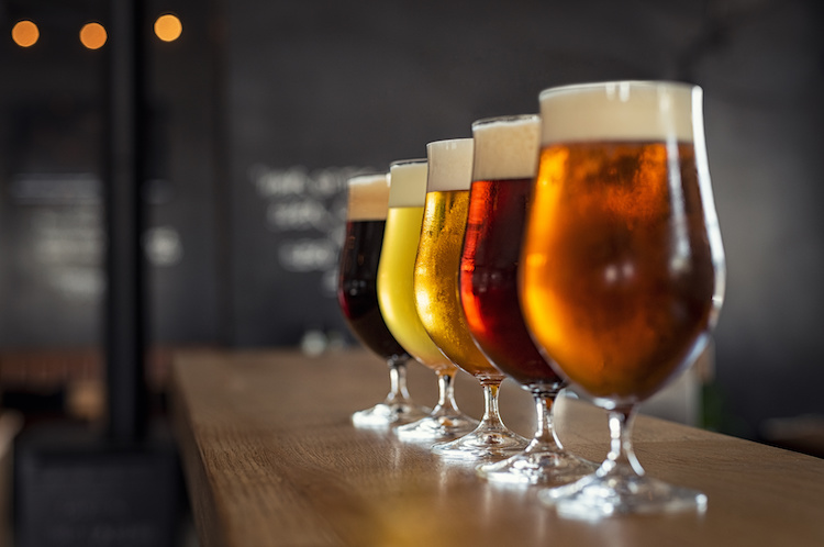 bicchieri-birra-diversi-tipi-rido-adobe-stock-750x498