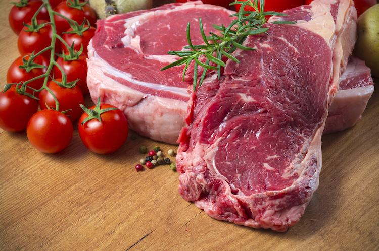 bistecca-bistecche-carne-vitello-bovino-bovini-by-sergio-martinez-adobe-stock-750x498.jpeg