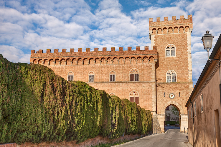 bolgheri-castello-by-ermess-adobe-stock-jpg
