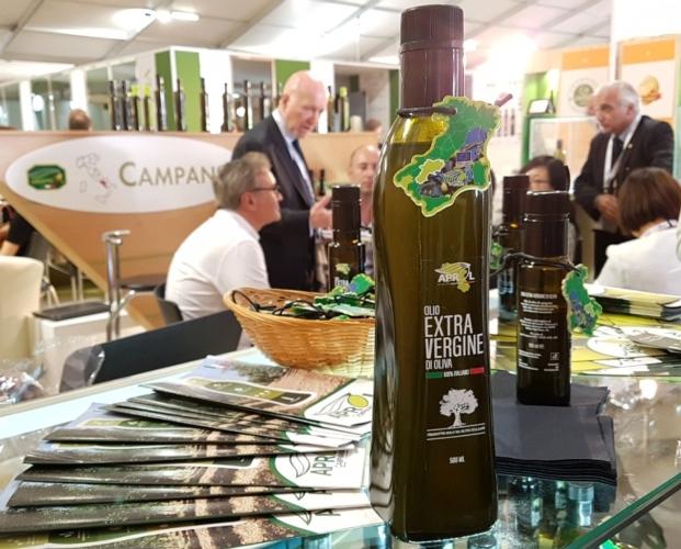 bottiglia-flow-aprol-campania11apr2017coldiretti-campania.jpg