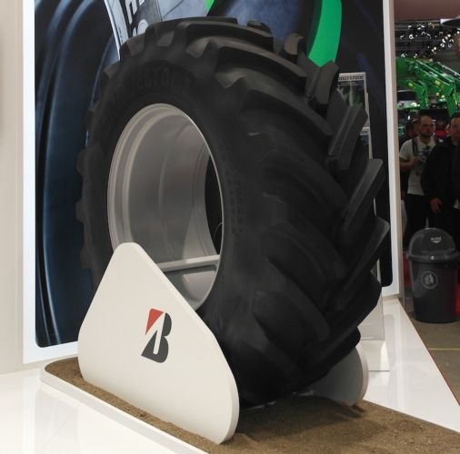 bridgestone-vx-tractor-eima-international-2018