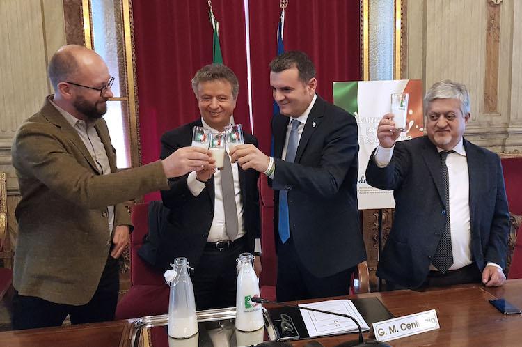 brindisi-campagna-verde-latte-rosso-apr-2019-fonte-alleanza-delle-cooperative-italiane